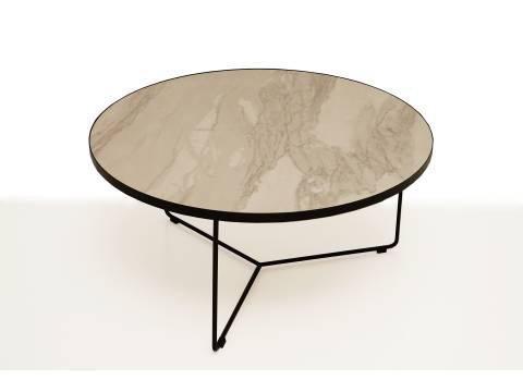 B8 stolik na nóżkach metalowych z blatem ze spieku